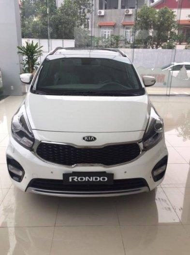 Bán xe Kia Rondo Facelift 2017 mới 100% giá tốt, giao xe ngay 1