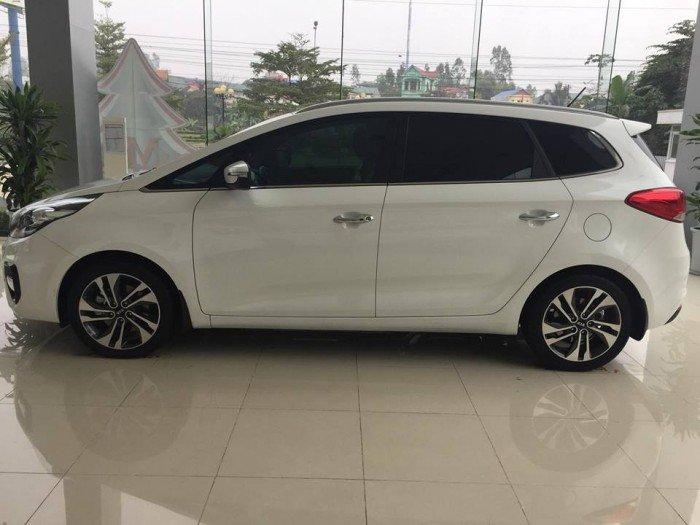 Bán xe Kia Rondo Facelift 2017 mới 100% giá tốt, giao xe ngay 2