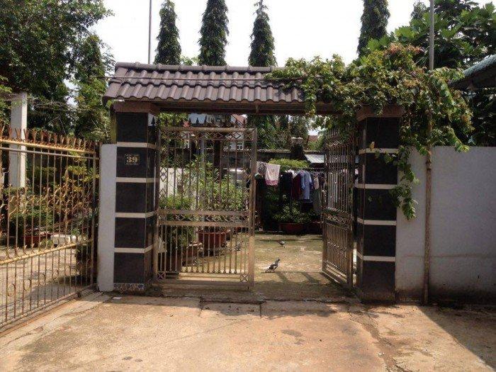 Gia đình chuyển ra Hà Nội sinh sống , cần bán gấp căn nhà mặt tiền đường Đồng Khởi .