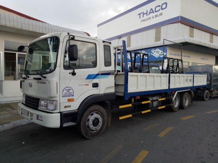 Xe Tải 3 chân Hyundai 210 14 tấn thùng lững có giá kính