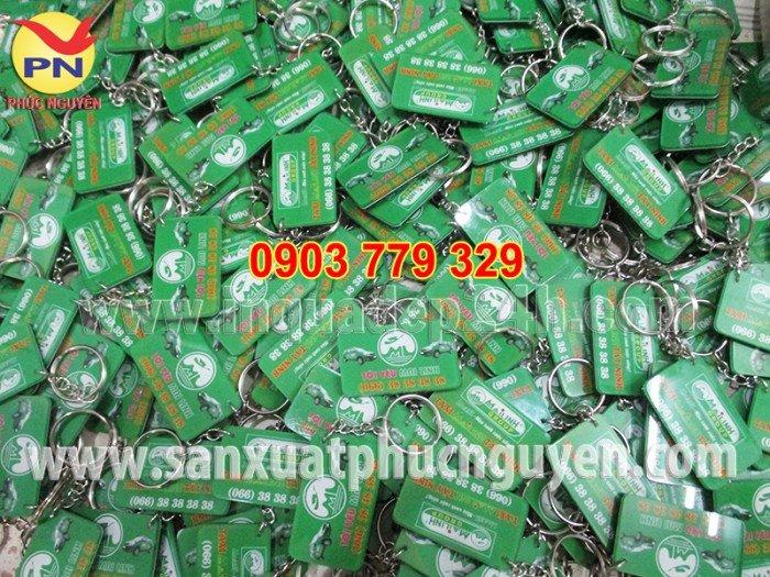 Xưởng sản xuất móc khóa, móc khóa mica, in móc khóa quà tặng giá rẻ1