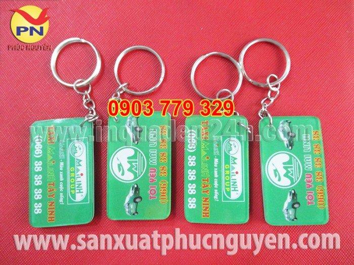Xưởng sản xuất móc khóa, móc khóa mica, in móc khóa quà tặng giá rẻ4