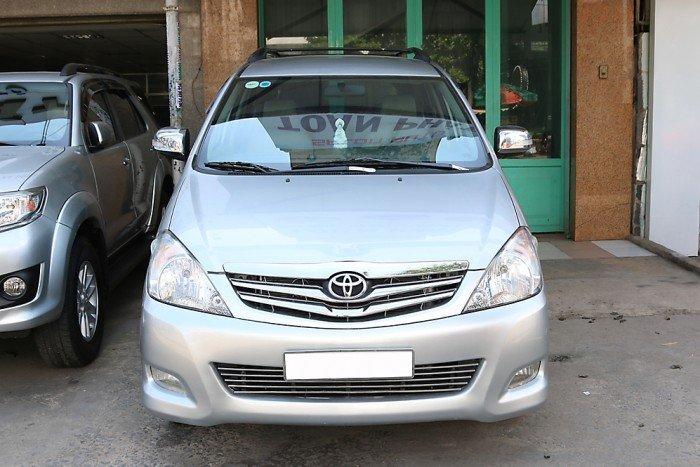 Toyota Innova V