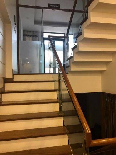 Nhà đường Láng,oto đỗ cửa, thiết kế đẹp, 6 tầng thang máy, giá 15.3 tỷ.