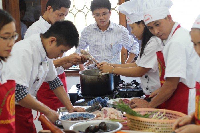 Tuyển sinh khóa học nấu ăn ngắn hạn, nấu ăn chuyên nghiệp.