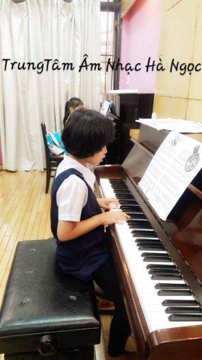 Tuyển sinh học Piano Trung tâm Âm nhạc Hà Ngọc quận 11