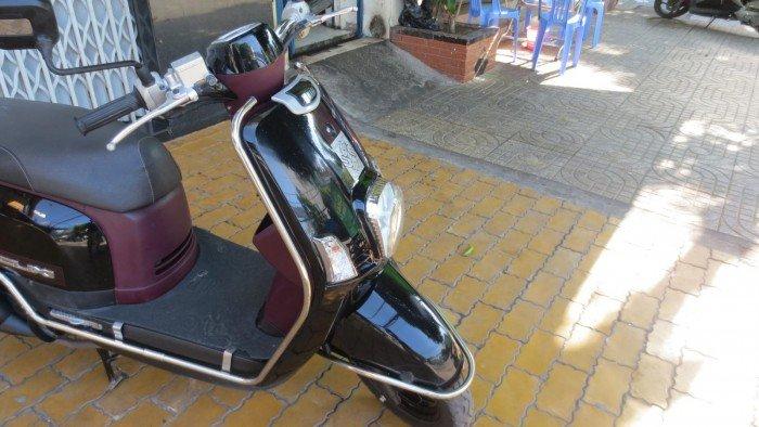 Yamaha Cuxi cuối 212 màu đen dán keo chủ
