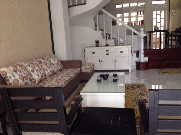 Cần tiền bán gấp nhà đẹp, đường Lâm Văn Bền, Quận 7, vị trí đẹp,