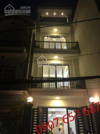 Bán nhà 3 lầu, 4 PN, Phòng thờ, sân thượng, DT 210m2, đường Hoàng Quốc Việt, Giá 3.85 tỷ