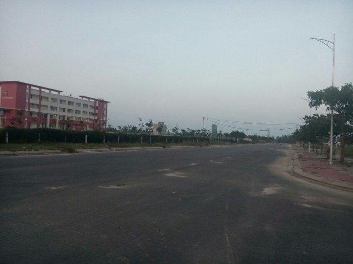 Đất cạnh trường Đông Á,đường Lê Đức Thọ