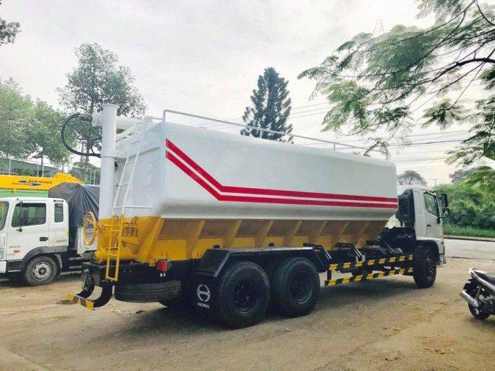 Bán xe Hino 3 chân 14 tấn thùng 6,4m thùng chở thức ăn gia súc