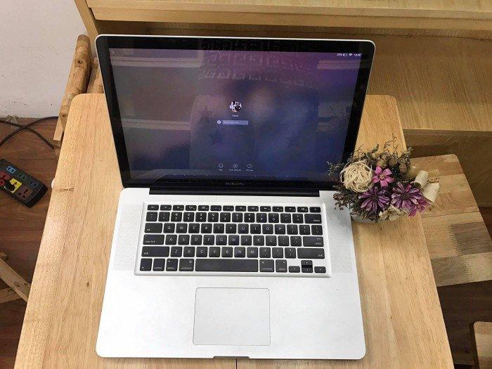 Macbook pro 15inch MD318 - Core i7 - Mới 99% - Bảo hành dài0
