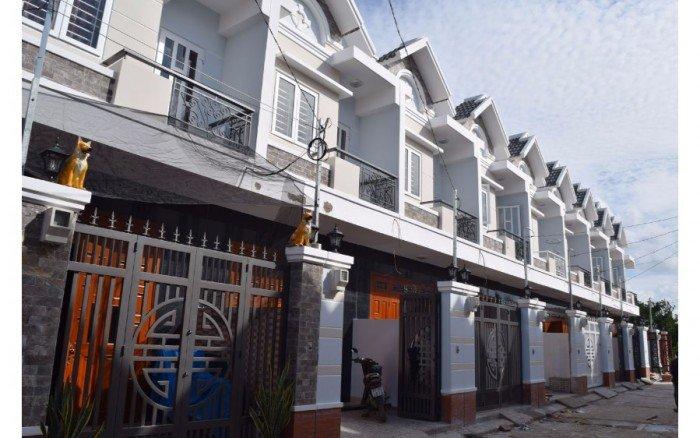 Nhà mới gần ngã tư ga, nguyễn oanh dt: 116m2. Móng ép cọc bê tông + cột + đà + sàn bê tông cốt thép