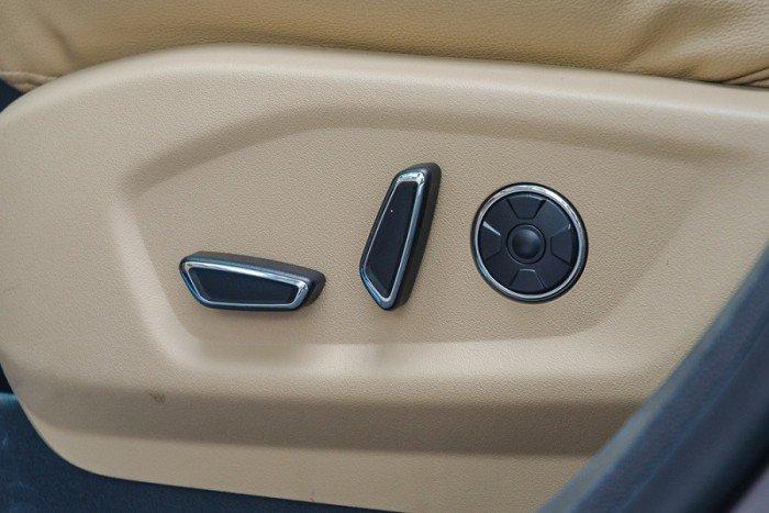 [10] Ford Explorer giá rẻ tại Vĩnh Long, chỉ cần trả trước 436 triệu, tặng Full phụ kiện, giao xe nhanh