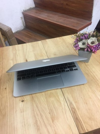 Macbook air 11inch MC9691