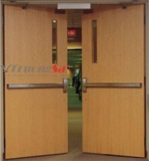 Có 2 kích thước chuẩn: 900x2100mm và 800x2100mm, Ngoài ra chúng tôi còn nhận đặt hàng theo kích thước yêu cầu của khách hàng.3
