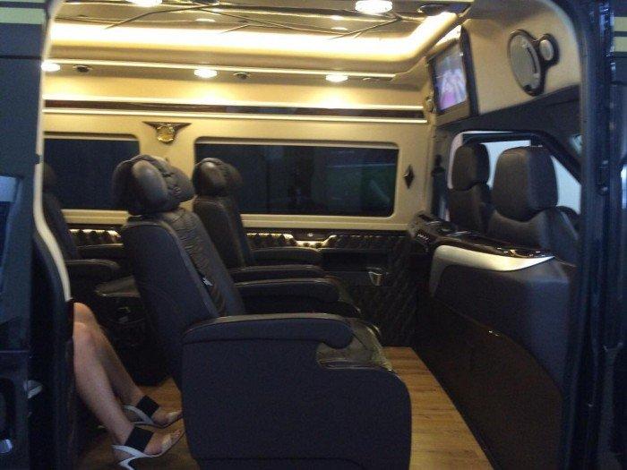 Mua xe Limousine | Transit Limousine 10 chỗ, phiên bản cơ bản, Đủ Màu, Có Xe Giao Ngay| Gọi Mr.Huy! 3