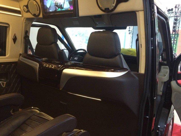 Mua xe Limousine | Transit Limousine 10 chỗ, phiên bản cơ bản, Đủ Màu, Có Xe Giao Ngay| Gọi Mr.Huy! 4