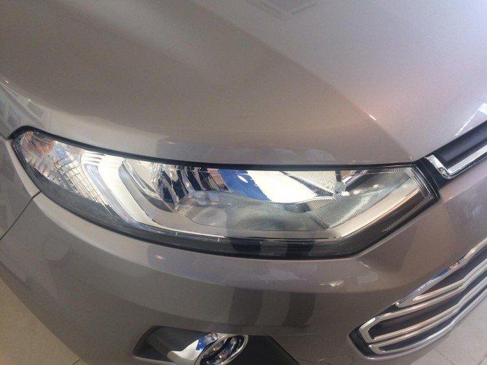 Mua Ford Ecosport giá rẻ tại TPHCM, hỗ trợ mua xe trả góp