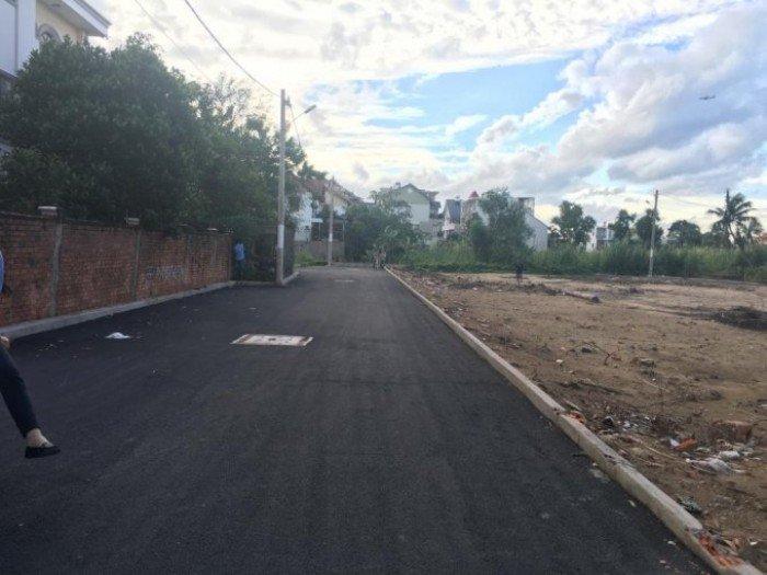 Cần nhượng lại lô đất 2 mặt tiền đường 12 QL13 - HBP giá chỉ 1 tỷ 190/ nền