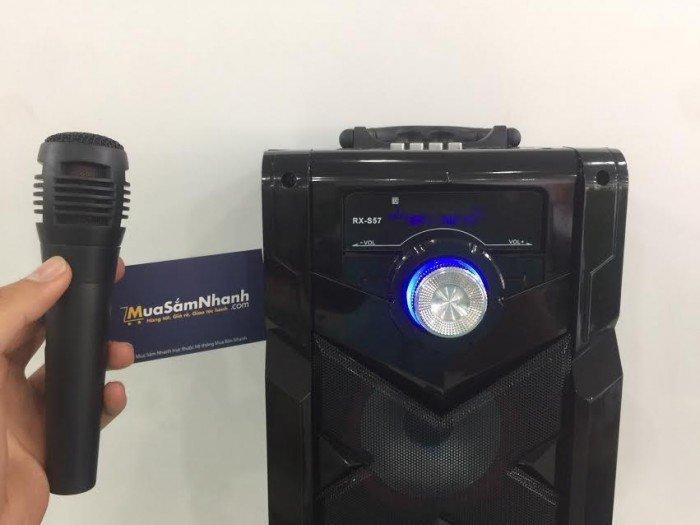 Loa tần số đầy đủ với 300W khuếch đại, cho dù bạn đang ở trong nhà hoặc ngoài trời có thể thưởng thức âm nhạc thoải mái