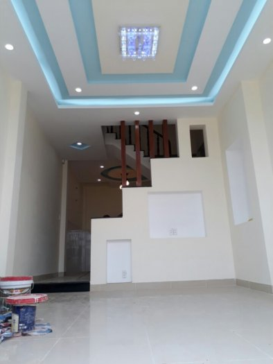 Bán nhà 2 lầu góc 2 mặt tiền Thạnh Xuân 25, kinh doanh buôn bán tốt giá chỉ 1.85 tỷ