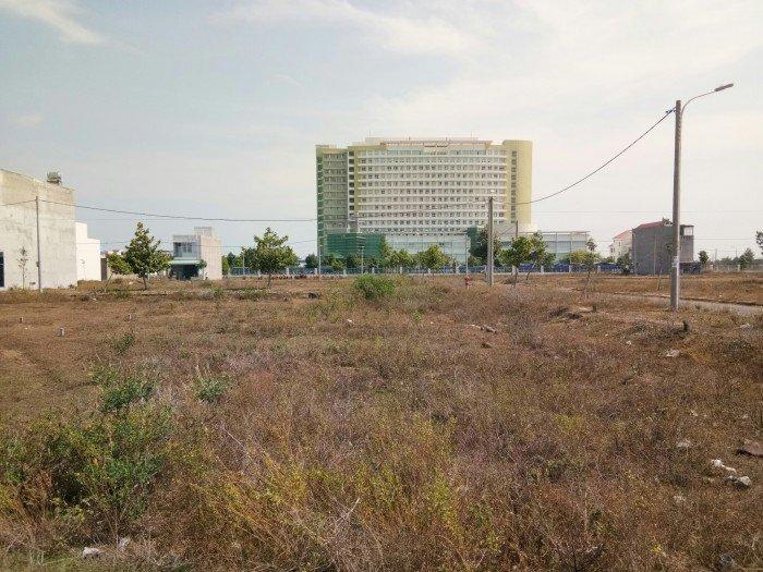 Do cần tiền để trả nợ, tôi đành bán gấp đất gần trung tâm Bà Rịa- Vũng Tàu 100m2 chỉ 265 triệu.