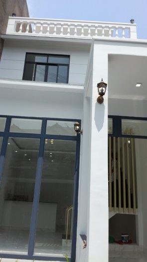 Nhà phố đường Nguyễn Hữu Thọ 1 trệt 2 lầu chính chủ giá chỉ 1,45 tỷ