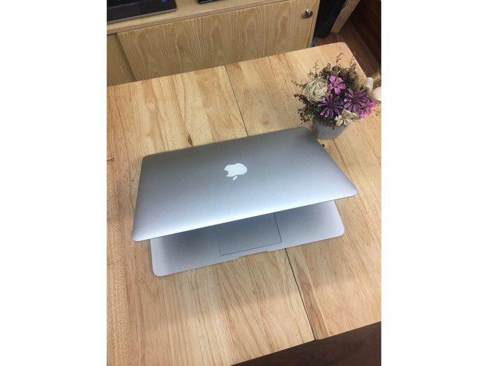 Macbook air 13 inch MD760 - Đẹp như mới0