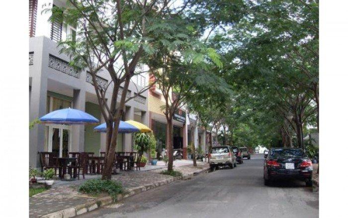 Cho thuê nhà phố góc công viên Hưng Phước 3, Phú Mỹ Hưng