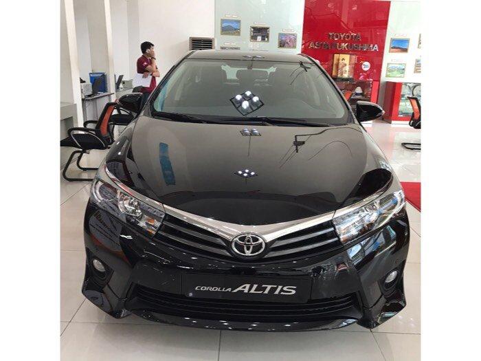 Bán Toyota Corolla Altis 2.0V, giao ngay, khuyến mãi 60 triệu