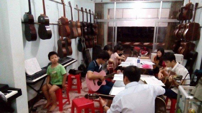 Chiêu sinh lớp guitar organ piano drum saxophone thanh nhạc