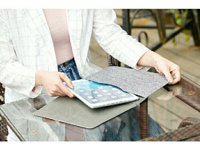 Bao chống sốc kiêm kệ đỡ cho Ipad và máy tính bảng 9.7 inch4
