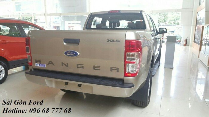 Ford Ranger XLS 4x2 AT, chỉ cần trả trước 150 triệu