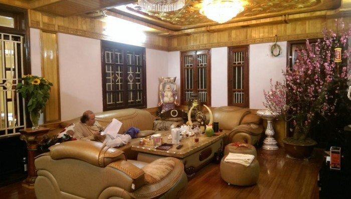 Bán nhà đẹp phố Trần Quốc Hoàn 52m, 5 tầng, ở ngay, ô tô vào nhà 7.25 tỷ.