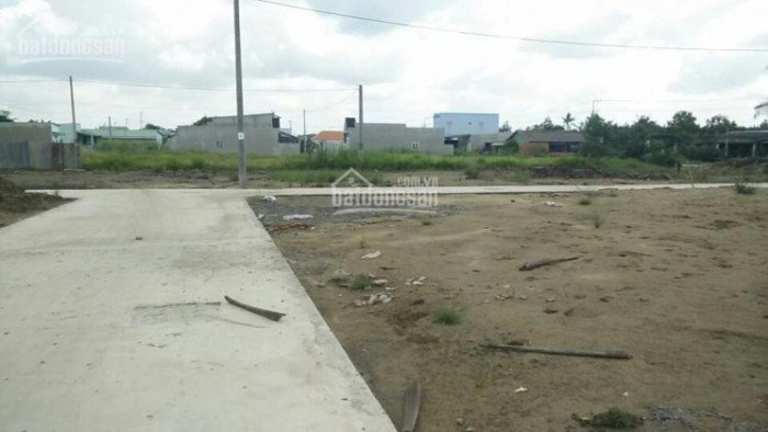 Ngay cầu Rạch Dơi gần khu CN Long Hậu