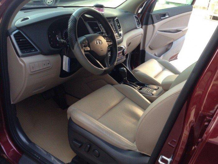 Hyundai Tucson sản xuất năm 2015 Số tự động Động cơ Xăng