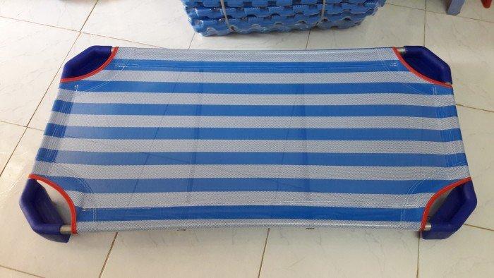 giường vải lưới màu xanh dương giá rẻ0