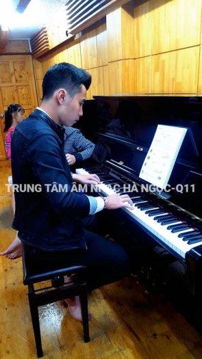 Quận 11, Quận Bình Thạnh chiêu sinh học piano-guitar-thanh nhạc 350k/tháng