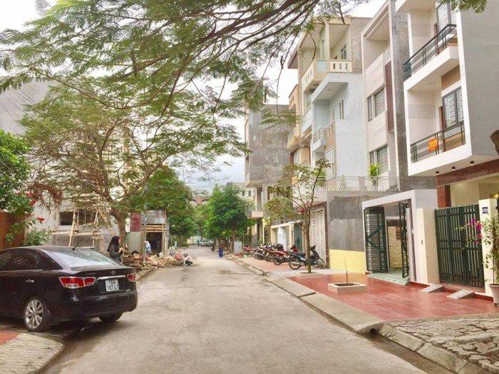 Nhà 3,5 tầng, độc lập, 80m2, đường phụ Nguyễn Văn Linh rộng 12m, ôtô vào nhà, Tây Nam. Giá 3 tỷ