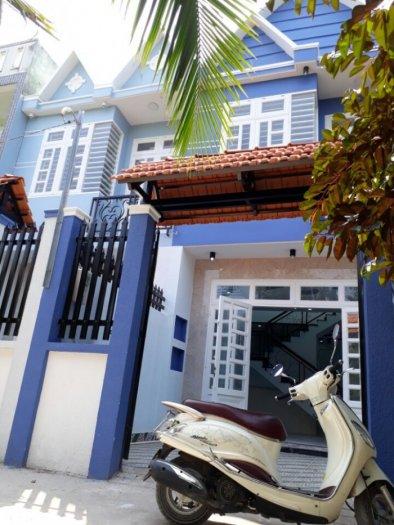 Nhà ngay UB phường Thạnh xuân. DT 4.5X12m. Xây dựng 100% đường 7m