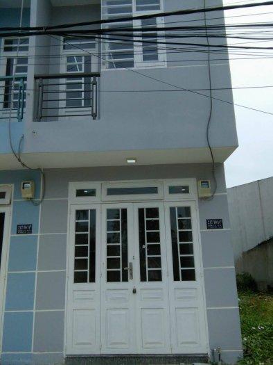 Bán nhà gần Hà Huy Giáp ngay chân cầu Ông Đụng, DT: 3*10m, Giá 600 triệu có thương lượng, đường vào rộng rãi.