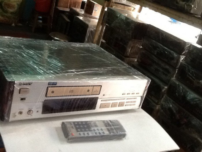 Bán chuyên CD Sony 555ES hàng bải chọn lọc từ nhật về ,đẹp long lanh