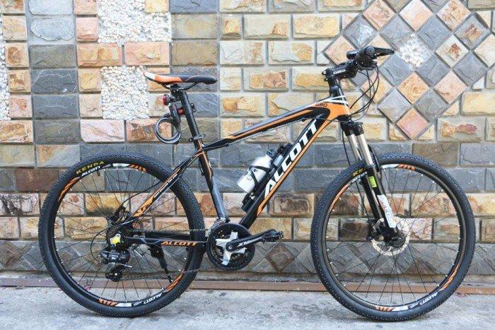 Xe đạp địa hình Alcott 680 sườn phủ carbon không mối hàn