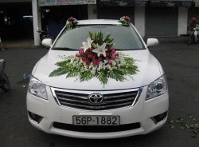 Cho thuê xe cưới 4-16c: mec, BMW, camry, city. 2