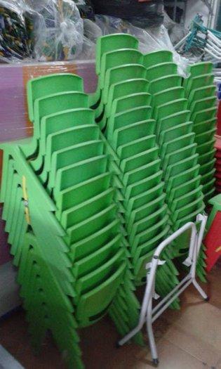 Ghế nhựa đúc nhập khẩu dành cho các bé trường mầm non2