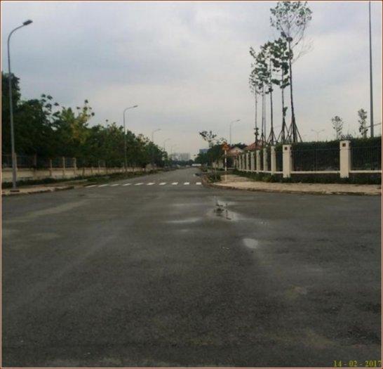 Đất. (5x23m)  - Ven sông Sài Gòn - Quận 9. Sổ Hồng
