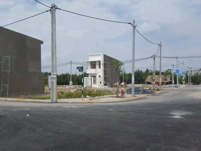Đường Thanh Niên ,Huyện Hóc Môn,TP-HCM Đất ven hồ 105 triệu gần Quốc lộ 22
