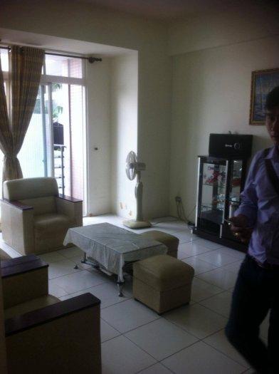 Cần cho thuê gấp căn hộ Thuận Việt, Q.11 , Dt 65 m2, 2 phòng ngủ