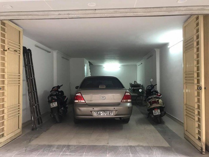 Bán nhà phố Đội Cấn cực đẹp, ô tô vào nhà, 55 mx 5T, mặt tiền 5 m2, giá có thương lượng.